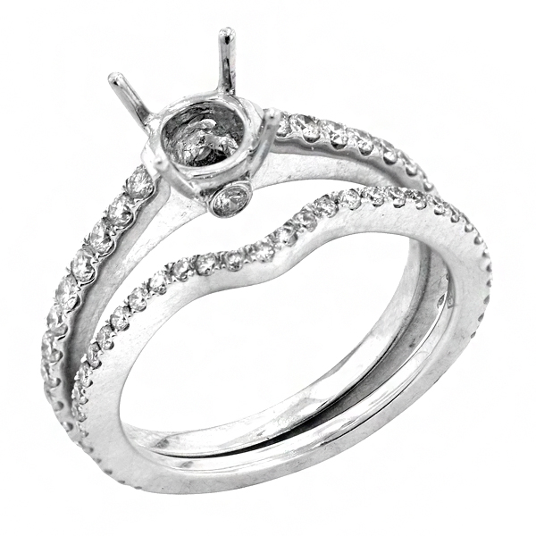 Traditional Four Prong Diamond Bridal Set in 18K White Gold
